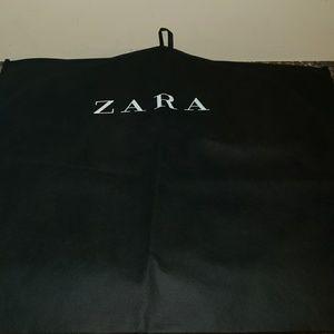Zara black  clothing/suit bag